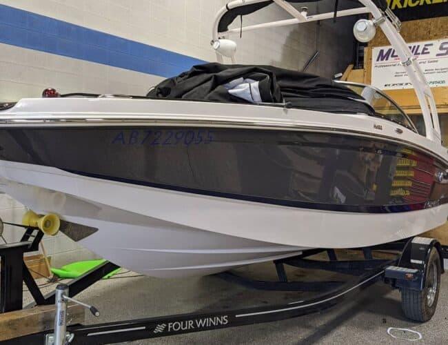 Mobile Sounds Ltd. | Four Winns Boat